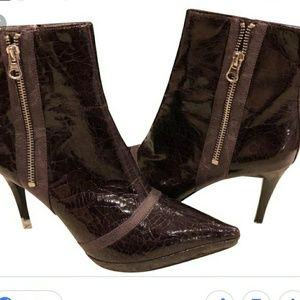 NWOT Carlos Santana Berry Fashionista ankle boots